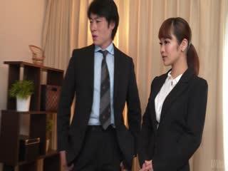 遂宁市安居相马茜剥光和搞在办公室与二个人