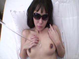 亚洲业余玩她洒下的猫_2
