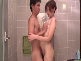 Yumi 前田给温暖口在洗澡-shu姆系列