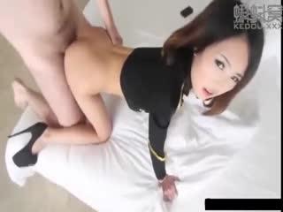 洋大款东莞嫖妓系列之商场偶遇小野模带回宾馆玩制服诱惑