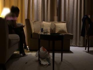 康先生在沙发茶几上狂干江苏高挑黑丝性感美女王悠悠,第二部