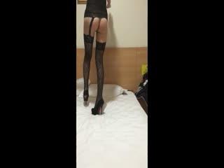 极品S级长腿高跟蕾丝美女与男友激情啪啪 多姿势爆操 经典裤哥站式操 风骚浪叫 高清