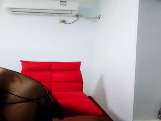 性感诱惑拜精女露脸霸气纹身,黑丝情趣内衣,道具激情自慰呻吟,淫水很多浪叫不断