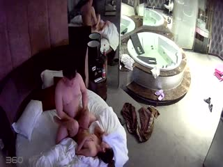 【国产偷拍】异地恋情侣宾馆泄欲,感觉女的还没满足