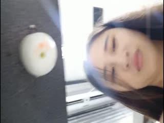 清纯妹子在奶茶店打烊后大玩口交秀