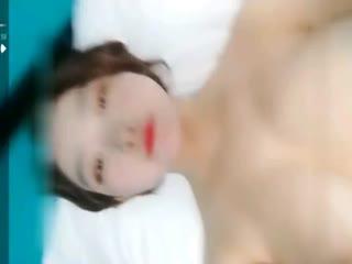 人美胸大极品一线天美女学生妹主播全裸诱惑秀1