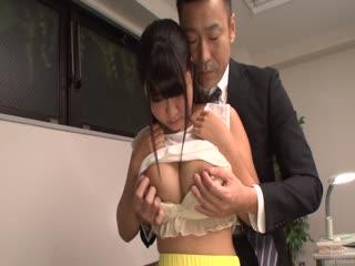 俞筱原享有粗糙办公室与她的上司
