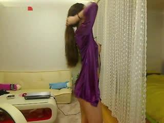 紫衣氣質女孩大咪咪養眼
