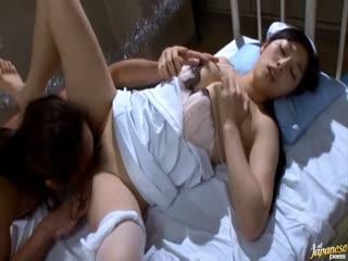 病房内多位极品美女护士与多位病人开了一个性爱派对。