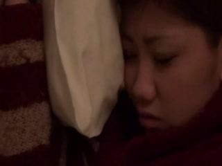 21岁美女初恋被甩酒醉熟睡后被插BB又肥又紧好多水强行插入...