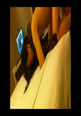 豹纹性感少妇在宾馆玩她操的她的叫的整个宾馆都可以听见真是骚逼...