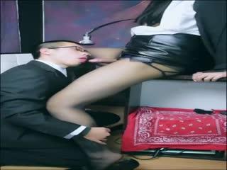 国产比女人还美的CD惠奈酱上演办公室内OL秘书被小眼镜直男无套中出