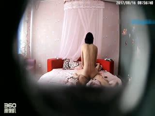 温馨主题宾馆年轻情侣开房造爱各种啪啪床上干到沙发上打了N炮干的妹纸淫叫不止胡言乱语