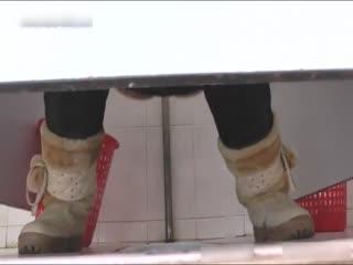 岛国盗拍网站流出高校女厕TP怎么拍的啊镜头居然这么近