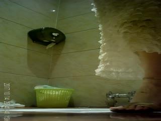 云上会所ktv厕拍系列2 各色长腿大胸美女,不是一般的骚气