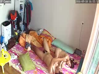 家庭网络摄像头破解监控TP下午睡醒骚女上位啪啪 迫不及待的干起来