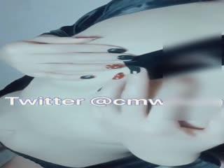 高颜值推特网红少女草莓仙女VIP会员版首次大尺度与男友性爱啪啪内射口爆视频流出...