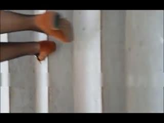 91潮吹女王喜欢野战被操 边道具插淫穴边胯下裹鸡巴 非常享受 情趣黑丝骚货回到家就迫不及待求操...