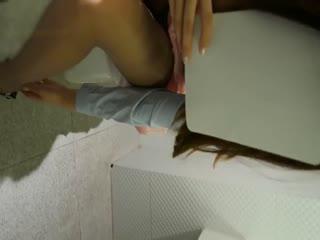 吐血推荐学院派美女极品美胸模特酒店大尺度私拍被摄影师淫猥逼逼
