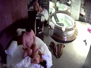 【国产偷拍】异地恋情侣宾馆泄欲,感觉女的还没满足...