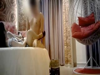 高级情趣房爆操身材性感颜值很高的极品外围女