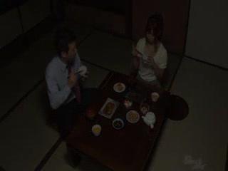 【乱伦】剧情中文字幕-丈夫不在家 公公强暴儿媳妇