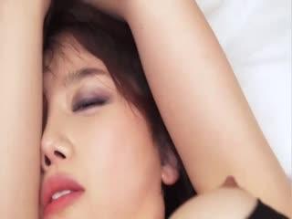 【强奸】超性感女神级模特摆弄风骚发出淫叫勾引摄影师,结果被暴力撕烂黑丝狠狠的干完整版