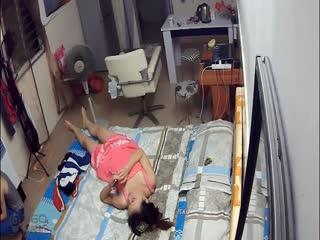 【偷拍】高清 房东租房时见女孩漂亮竟提前在墙上装好针孔摄像头偷拍打炮