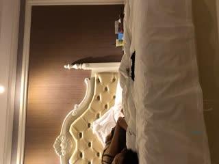 淘宝买来一套SM情趣内衣和大学生女朋友酒店开房啪啪1080P高清版