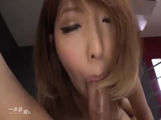 【日本】高清无码肉色丝袜职场女郎吊绑中出调教67分钟...