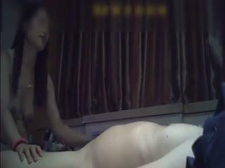 """【国产】广东会所就是开放,美女拿的""""""""性药桃花粉""""""""美女说让我喝要加钱的..."""
