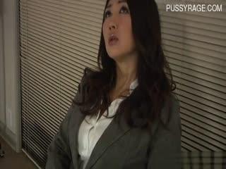 【制服】诱惑女上司在公司里面=看中了阳光帅气的他56分钟