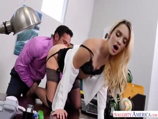 【欧美】办公室恋情 老板训斥秘书做的不好  秘书主动诱惑老板啪啪