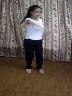 曾火爆整个网络的艺校舞蹈系美眉应聘系列高颜值肥臀美乳妙龄少女脱衣表演及形体展示完整版生活照11P+视频3V3
