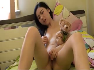 台湾美艳少妇在家自慰秀卖肉给富二代...